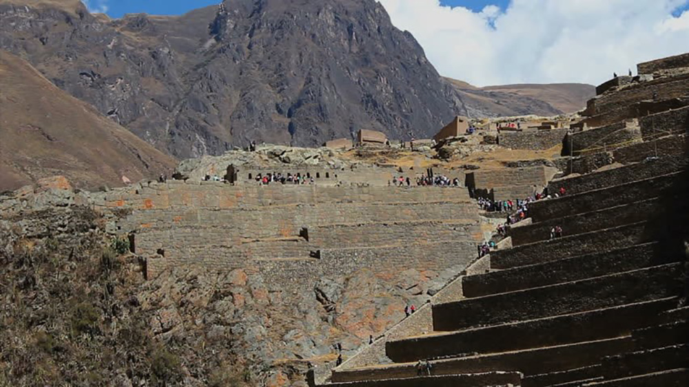 Day 12: CUSCO: SACRED VALLEY AND TRAIN TO AGUAS CALIENTES